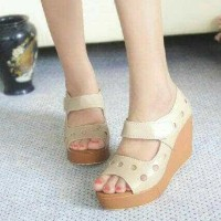 Wedges Bolong Bolong Exelen / sepatu murah