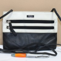 Tas branded TUMI Black white sling selempang second bekas original asl