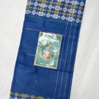 sarung khas pantai kute lombok