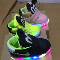 sepatu LED anak mickey