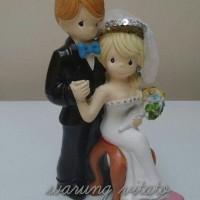 TOPPER KUE / WEDDING CAKE / PRECIOUS MOMENTS / PAJANGAN 19CM PMDUDUK