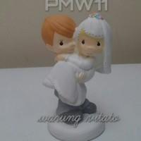 TOPPER KUE / WEDDING CAKE / PRECIOUS MOMENTS - PAJANGAN 13CM - PMW11