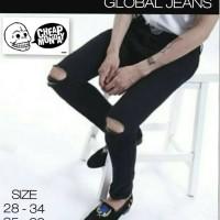 Celana Jeans Jumbo CHEAPMONDAY Black Ripped Knee / Hitam Sobek Lutut