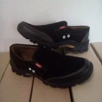 Sepatu Slip On Kickers Pria Casual Formal Santai Touring Pantofel