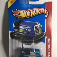 hot wheels bump around HW RACING [US CARD]