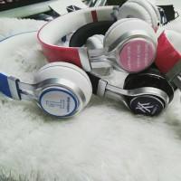 Headset / Headphone / Earphone Besar Ver B Monsta X Wanna One