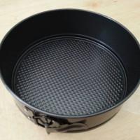 Loyang bongkar pasang 22 cm (springform pan)