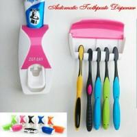 #EH074 - DISPENSER ODOL Toothpaste Dispenser & Brush Set BARU