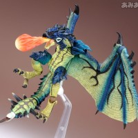 Revoltech Limited Monster Hunter Azure Rathalos Subspecies ORIGINAL