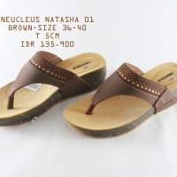 NEUCLEUS NATASHA 01 SENDAL JEPIT WANITA wedges coklat tan brown