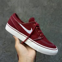 Sepatu Nike Stefan Janoski Maroon