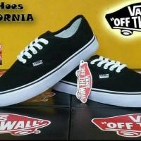 Sepatu Vans Pria california warna hitam putih