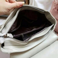 Pigi Sling Bag Warna Black Tas Import Korea Leather Polos Cantik