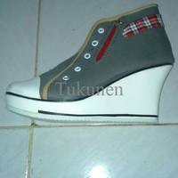 Jual Sepatu Wanita / Cewek Grosir Wedges Boots  Zipper Gray Murah