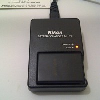 Charger Nikon MH-24 (For Battery EN-EL14 NIKON ) Bergaransi..