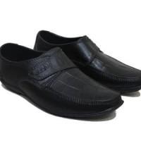 Sepatu Pantofel Karet EMS-299 (40-45)