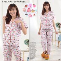 Pajamas / piyama / baju tidur / setelan baju tidur.