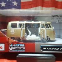 Maisto Volkswagen Van Samba Skala 25