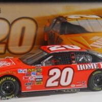 Tony Stewart 2007 Motorsports Authentics 1:24 #20 Home Depot Monte Car