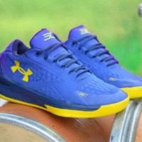 sepatu basket olahraga running under armour steph curry sc biru kuning 8d37162eeb