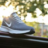 Sepatu Running Pria Nike Zoom Flyknit Grade Ori Warna Abu Putih