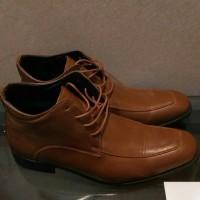54% Off - Sepatu boots Kulit Yongki Komaladi BARU