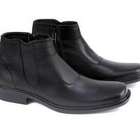 Garucci GHD 0339 Sepatu Formal Boots Pria