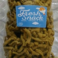 Jual Kripik Usus Ayam 1000gr 1kg Keripik Singkong pedas, kacang bawang Murah