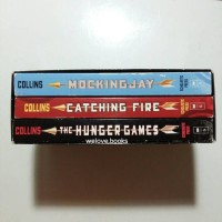Jual The Hunger Games Trilogy Boxset by Suzanne Collins Murah