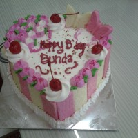 Kue tart love/ tart murah / black forest / kue ulang tahun / tart enak