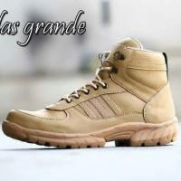 Sepatu boot tactical tracking adidas safety ujung besi krem