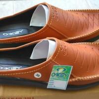 harga Sepatu Sandal Okey Selop Santai Flat Casual Pria Slip On Tokopedia.com