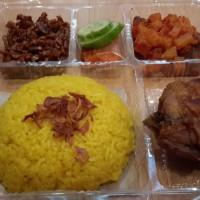 Nasi uduk kuning kotak / katering / tumpeng
