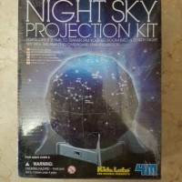 "Mainan Edukasi Anak ""4M Night Sky Projection Kit"""