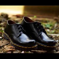 Sepatu Low Boots Docmart Dr Martens 3 hole / lubang / Pendek - Kulit !