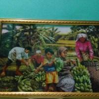 lukisan / gambar 3D panen pisang bingkai fiber, harga murah