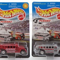 HOTWHEELS PENSKE AUTO CENTER SCHOOL BUS SET 2PCS HARGA PROMO