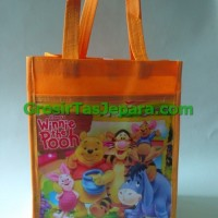 Jual tas kantong  ulang tahun winni the pooh Murah