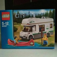 LEGO CITY 60057 : Camper Van