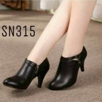 Harga sepatu boot b43 sepatu wanita sepatu boots sepatu panjang   WIKIPRICE INDONESIA
