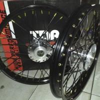 sepaket velg tdr ring17 dpn 140 Blk140 untuk vixion new