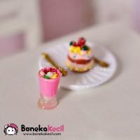 Jual miniatur es krim buah strawberry