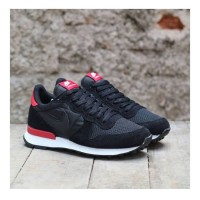 NIKE INTERNATIONALIST BLACK RED