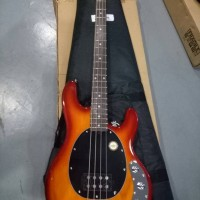 Sterling by Musicman Ray34-hb