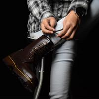 Sepatu Boots Docmart Dr Martens pria wanita 8 lubang / hole - KULIT