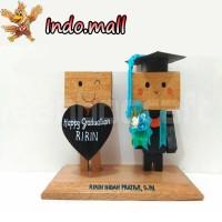 Jual Boneka Kayu Danbo Wisuda Graduation Kado Romantis Couple Unik Lucu Murah