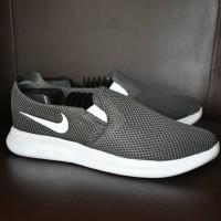 Sepatu Sport Santai Nike Roshe Run Slip On Grade Ori - Abu Abu - RR 23