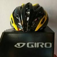 Helm Giro Livestrong (penyok waktu Loading)