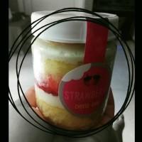 Jual Strawberry Cheese Cake in Jar Murah