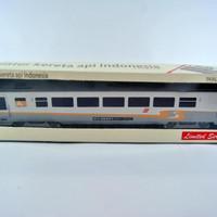 Jual miniatur kereta api - gerbong Argo KAI (Papercraft) Murah